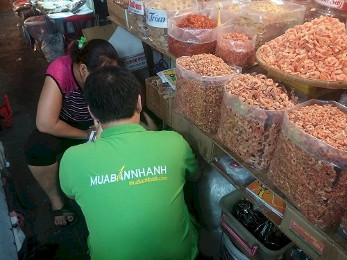 Tiểu thương MuaBanNhanh kinh doanh online trên các mạng xã hội nổi tiếng